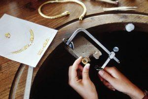 Goldschmiedearbeit Goldschmiede