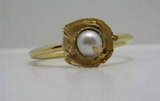 Gelbgoldring mit einer Perle Umarbeitung